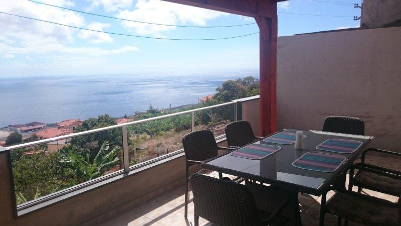 2 bedroom Villa, Santa Cruz, Madeira, Portugal, casa vacanza a Santo Antonio da Serra