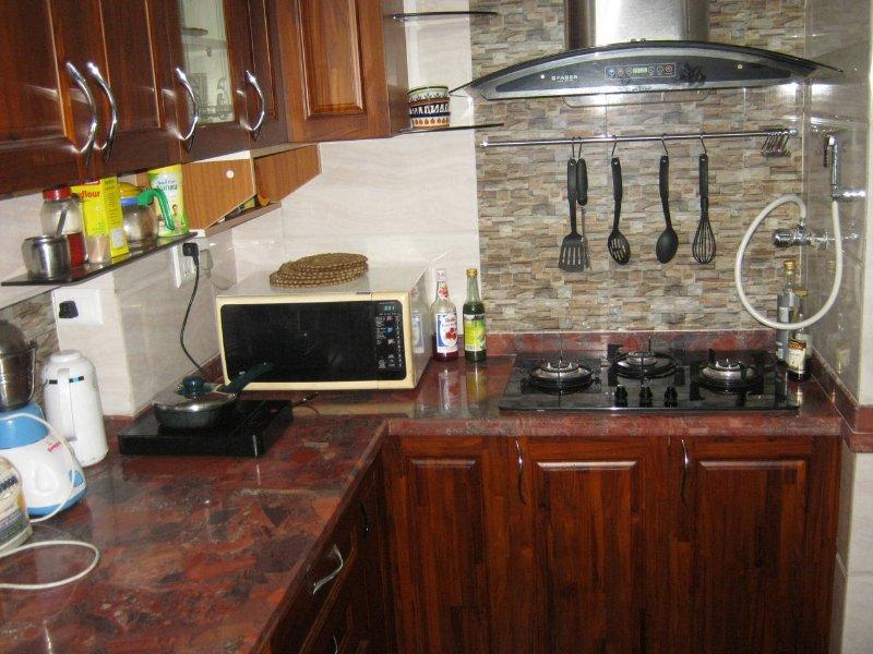 Cucina modulare completamente attrezzata