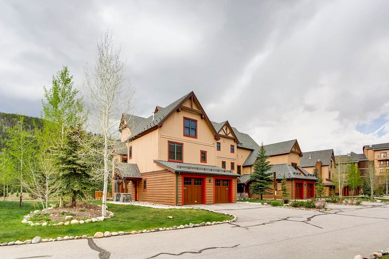 Building,Cottage,House,Downtown,Cabin