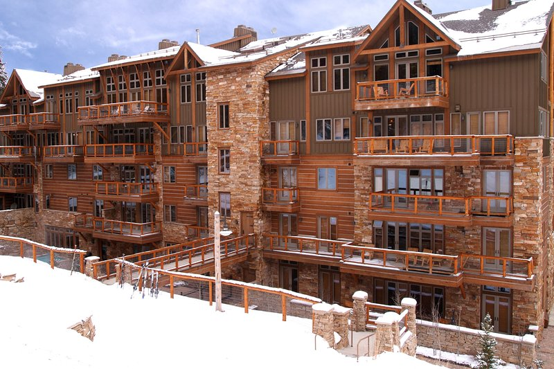 Luxury 3Br Ski In-Out Condo/Firepit, pool, sauna, location de vacances à Keystone