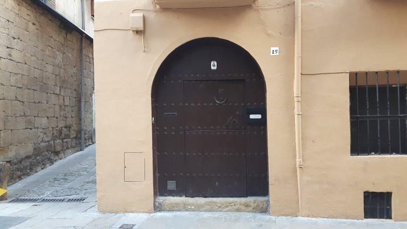 APARTAMENTO PELAIRES ESTELLA, holiday rental in Ollogoyen
