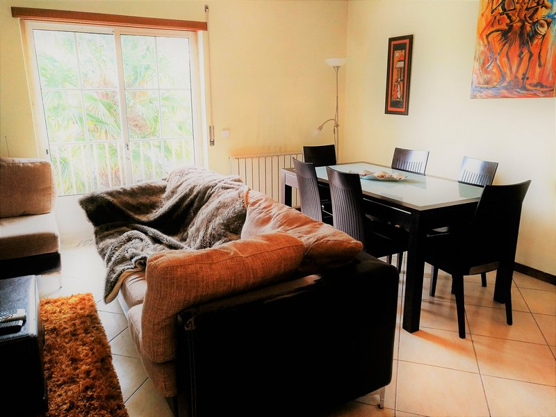 Lovely spacious apartment 6pax in Coimbra, vacation rental in Coimbra