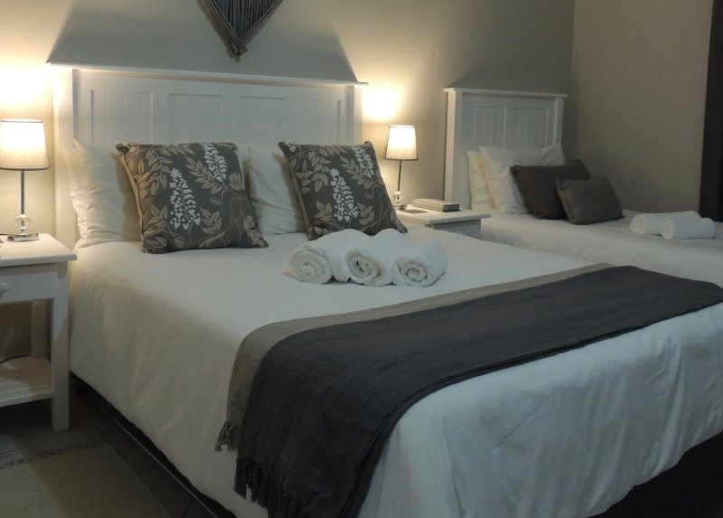 La Mer Guesthouse Family Room 1, vacation rental in Beachview