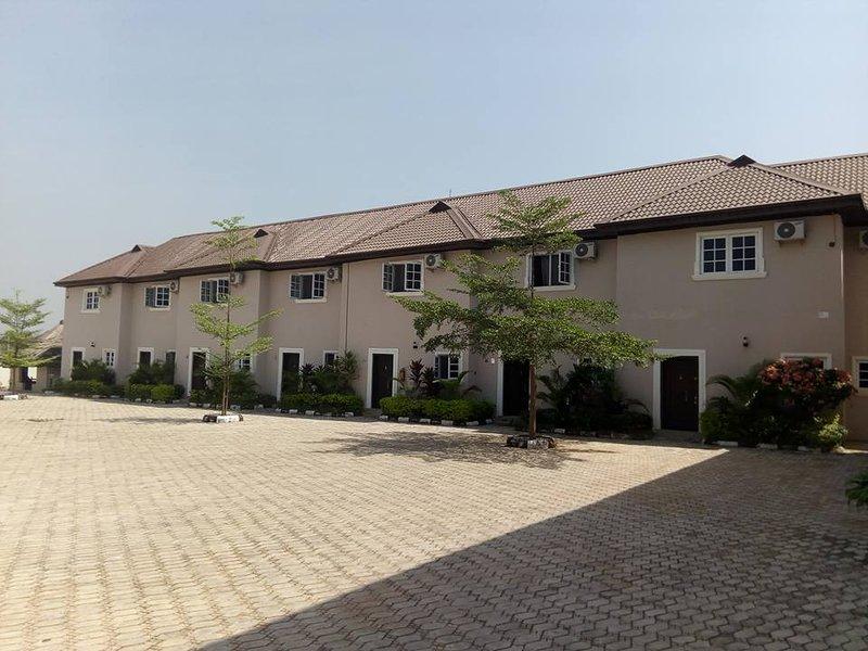 Hampton Mews Luxury Apart-Hotel (Emerald 4), casa vacanza a Benue State