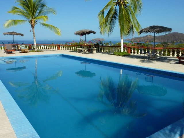 Lovely Two Bedroom, One Bathroom Condo in Playas del Coco, vacation rental in Playas del Coco