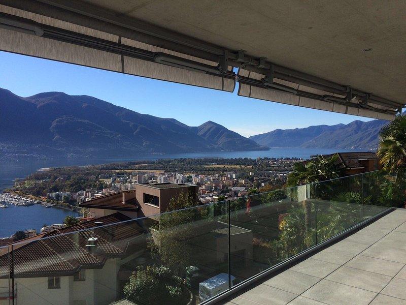 Attico Matilde with beautiful lake view, location de vacances à Avegno Gordevio