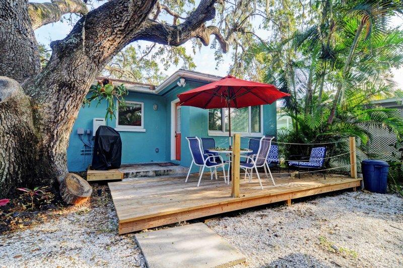 Relajarse y recargar bajo el cálido sol de Florida en este espacio al aire libre del cielo!