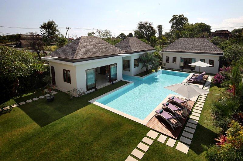 Luxury Villa Istana Putih, Canggu, Bali, vakantiewoning in Pererenan