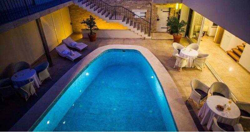 Villa di lusso con piscina in affitto, a Bol, isola di Brac
