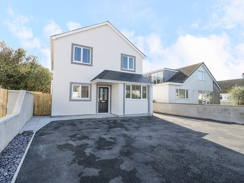 CERRIG, open plan layout, pet friendly, family friendly, in Holyhead, Ref, alquiler vacacional en Valley
