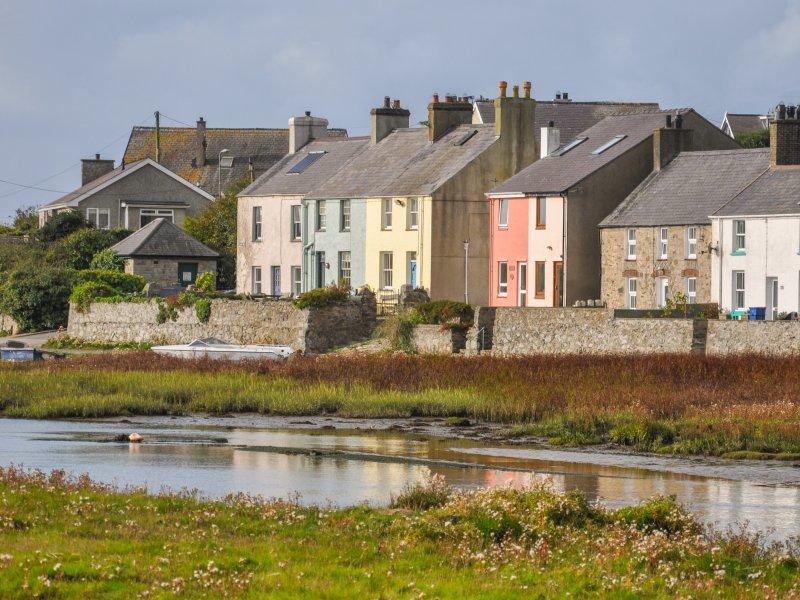 LLONYDD, coastal, WiFi, quirky, near Aberffraw, ref:951404, location de vacances à Aberffraw