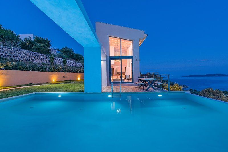4-bedroom luxury villa with amazing view, location de vacances à Sivota