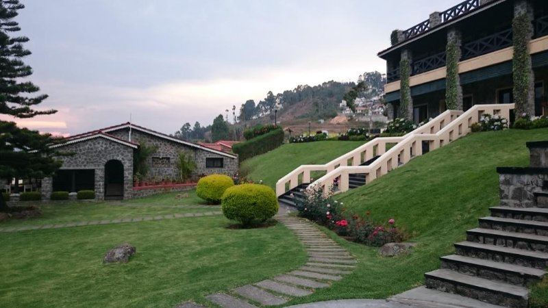 The Hamuse Hotel - Executive Suite 2, holiday rental in Kodaikanal