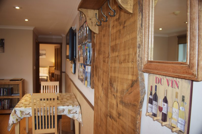 Riverside Escape Apartment, holiday rental in Keswick