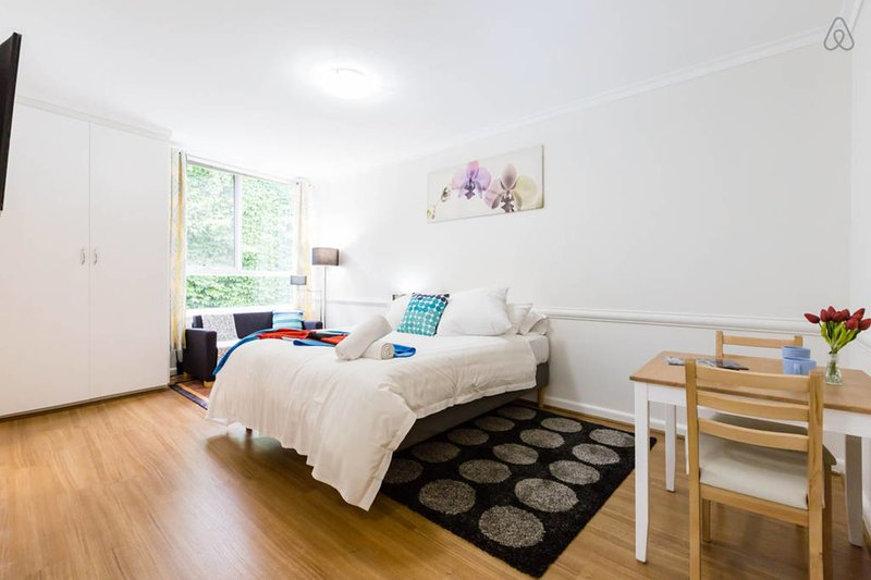 Genie, Cosy Central Studio, vacation rental in Richmond