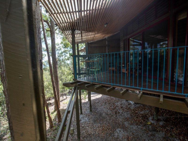 Fraser Island Treehouse