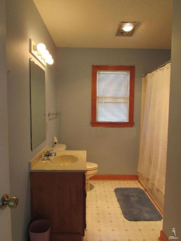 Sink,Bathroom,Indoors,Bedroom,Room