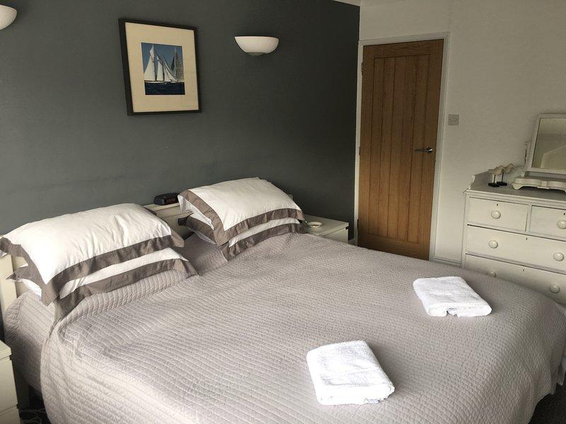 A 3 Storey spacious house, alquiler vacacional en Cowes