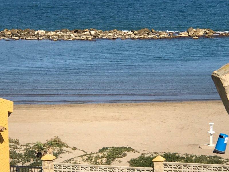 Cullera 1a linea de playa casa de 12 plazas villamargaret, holiday rental in Manuel
