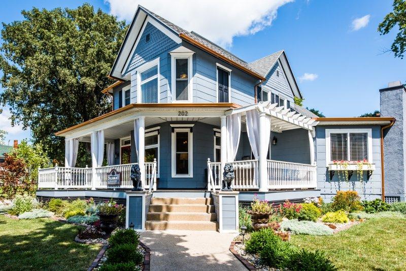 Sycamore Guesthouse, Three Oaks, MI für bis zu 13 Gäste.