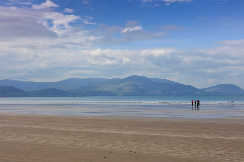Inch Beach, 35 minutes drive from Alohart. The beach 5km long with views back to the mountains.