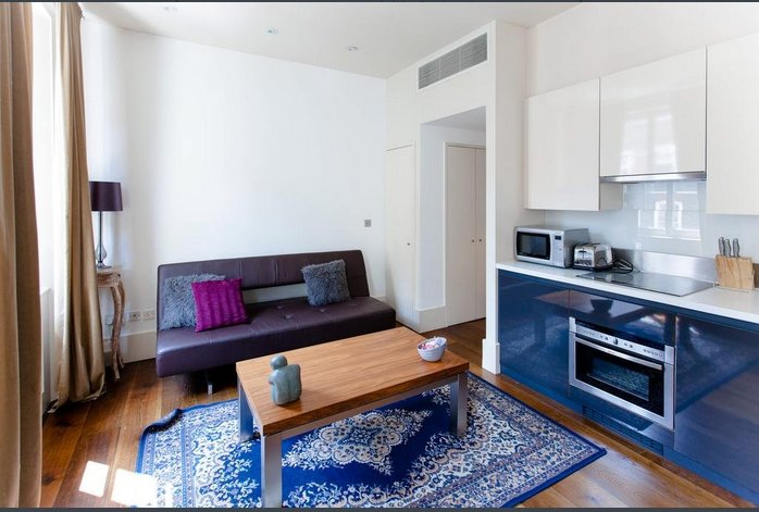 CurioCity London Oxford Street House is a bright, modern apartment