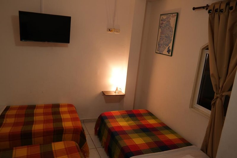 GUERNIKA HOSTEL - B&B bedroom 7, vacation rental in Socorro