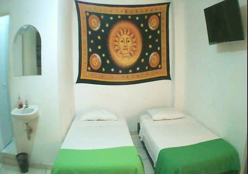 GUERNIKA HOSTEL - B&B bedroom 8, vacation rental in Socorro