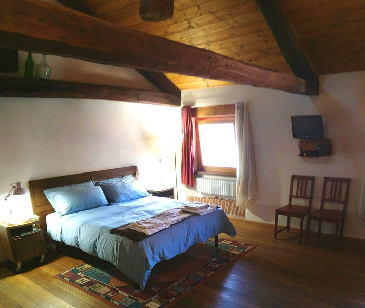 appartamento CHARLIE relax centro storico, vakantiewoning in Scurzolengo