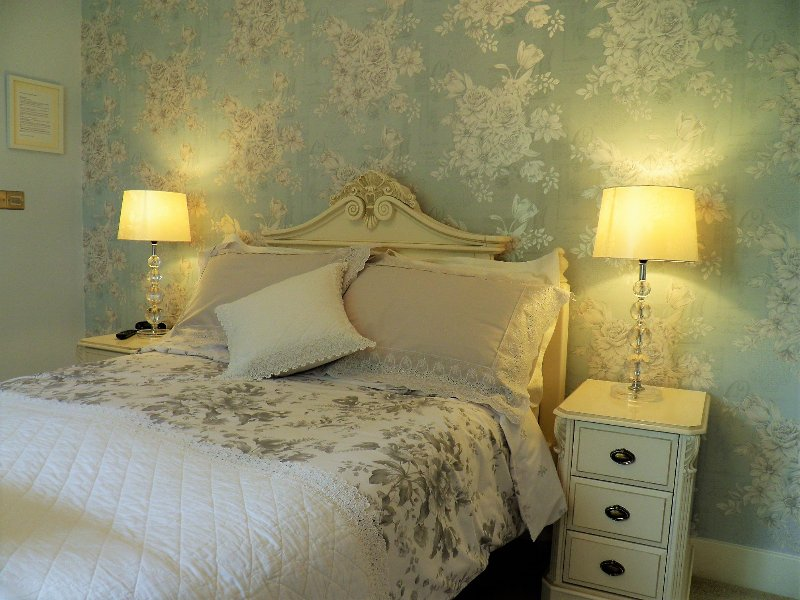 Sidmouth bed & breakfast luxury guest accommodation in Sidmouth - Bedroom 2, holiday rental in Sidford