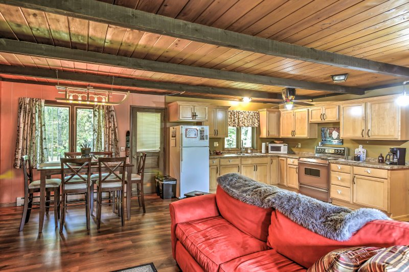 'The Wherle Lodge' at Powderhorn Ski Resort!, holiday rental in Bessemer