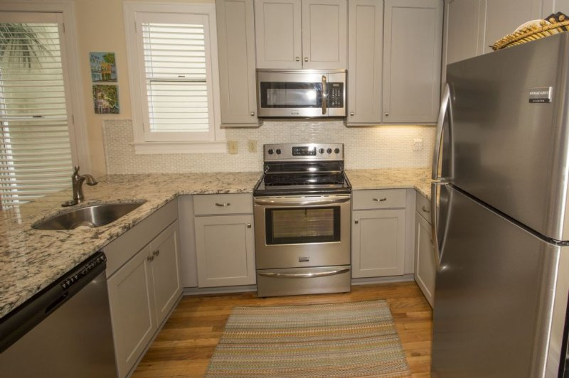 Stainless Steel Appliances, Very Nice!