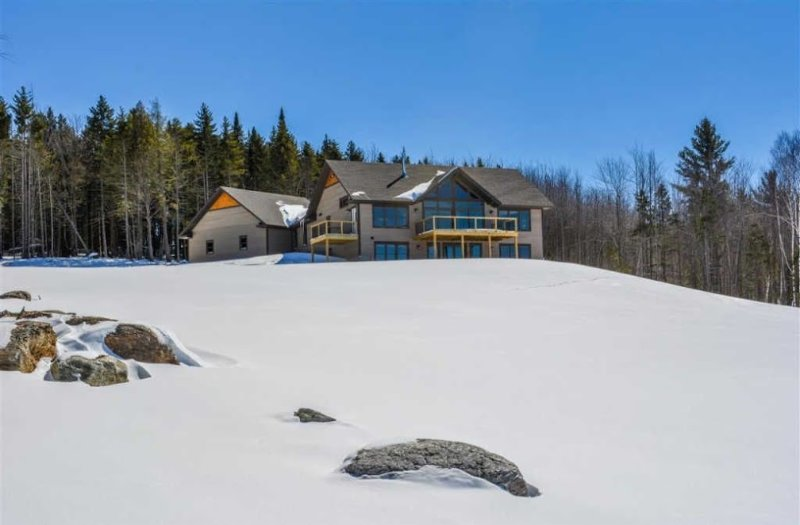 6-Acre Home w/ Mtn & Lake Views - 25 Min to Stowe!, vacation rental in Craftsbury