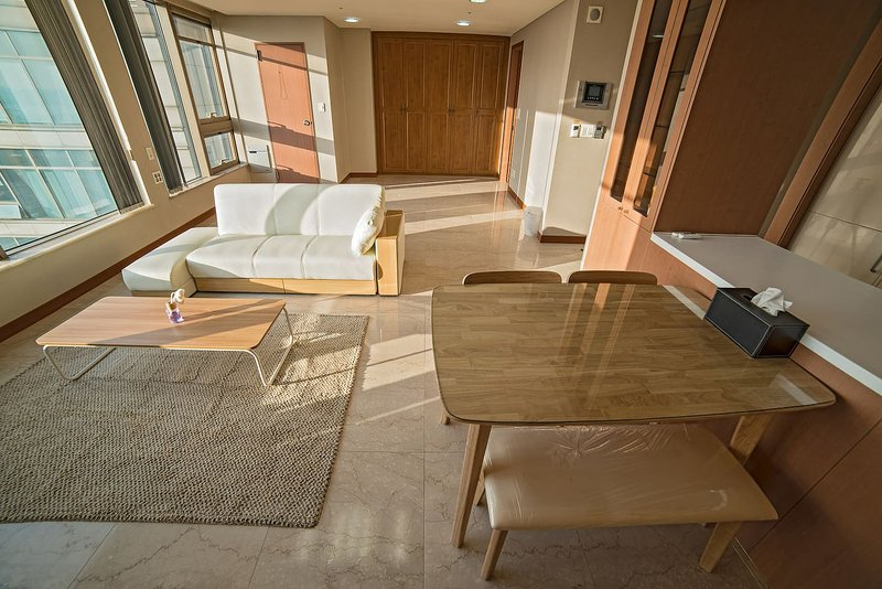 Trapalace Entire 2 Bedroom Apartment Has Washer And Dvd Player