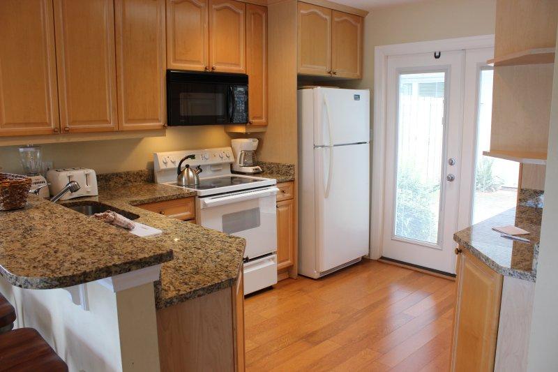Interior, cocina, sala, refrigerador
