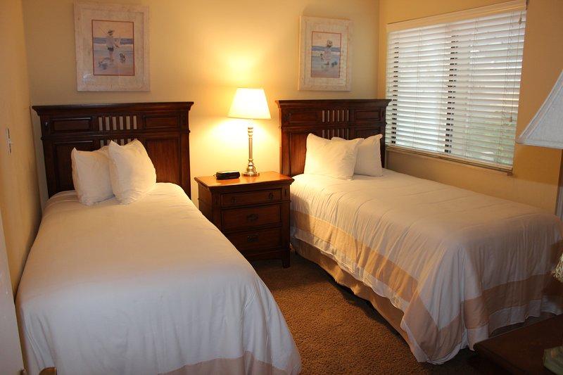Lámpara, cama, dormitorio, Muebles, Interior