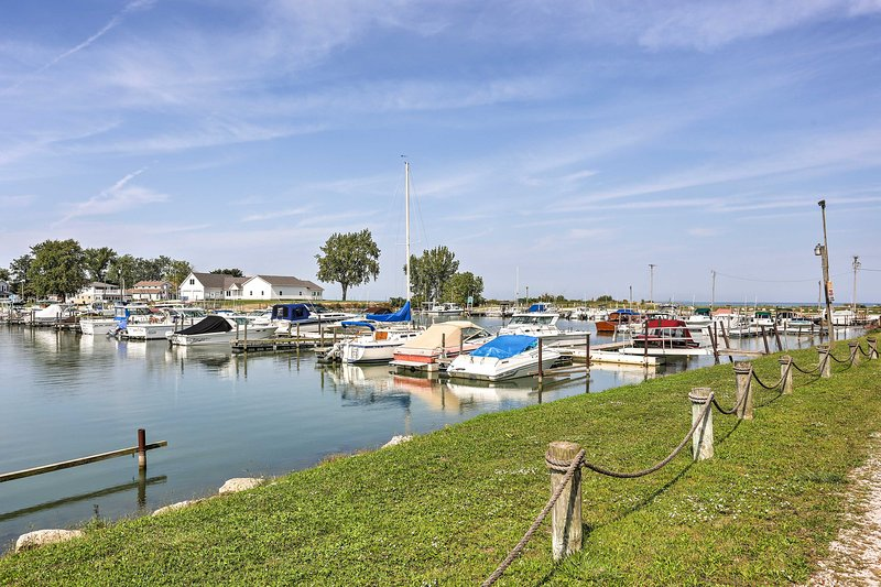 The home is situated minutes from a marina, Lake Erie, and numerous outdoor activities.