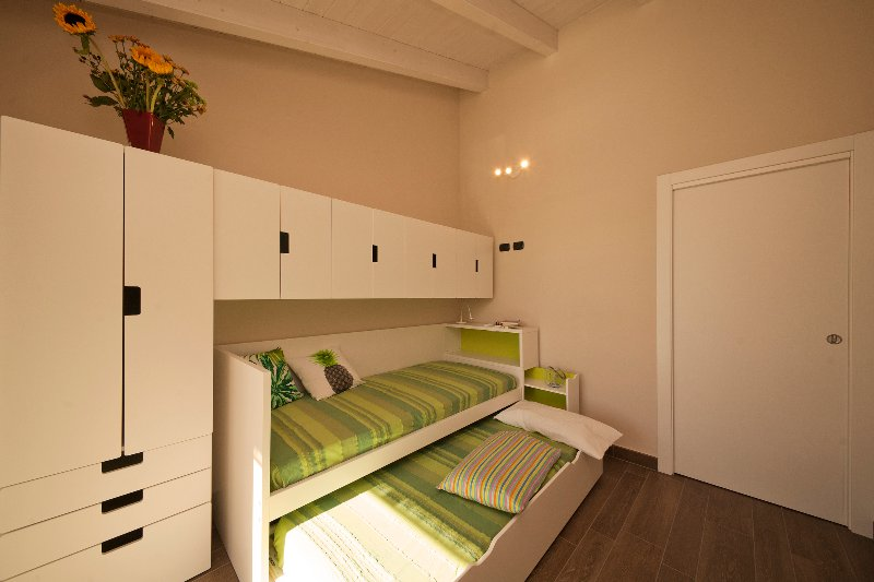 Bedroom with single beds
