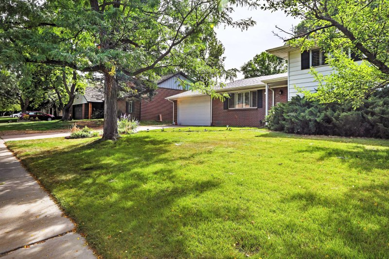 With all the best of Denver right at your fingertips, this property guarantees a good time!