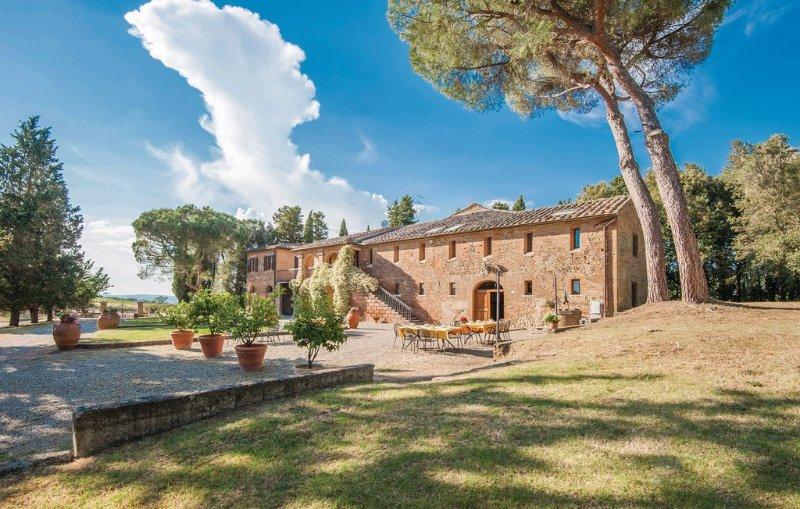 VILLA TINAIO, Ferienwohnung in Monteroni d'Arbia