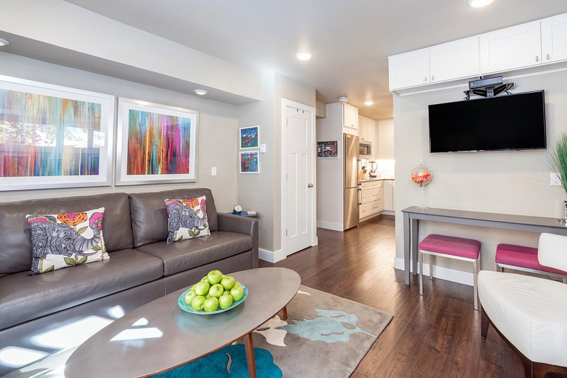Viking Lodge 105 - contemporary, convenient & oh so chic.