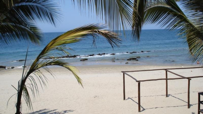 Cosy Private Bungalow in 'Las Pocitas' Mancora Peru / 300m to beach/ garden BBQ, vacation rental in Cancas