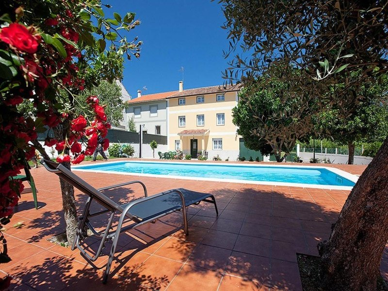 House - 6 Bedrooms with Pool - 100126, casa vacanza a Cuntis