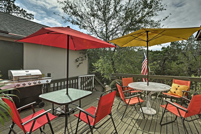 Six guests can relax and unwind in the 'Lone Star State' during your stay!