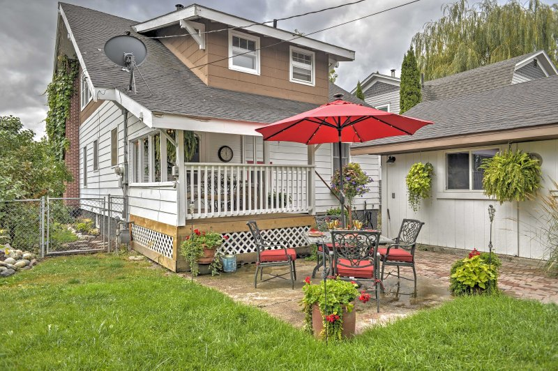 Esta casa está idealmente situado a una cuadra del centro, y 2 cuadras del bus de la nieve!