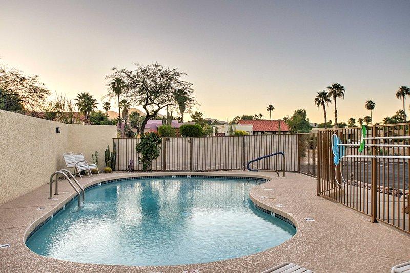 Entdecken Sie die große Stadt von Phoenix, während in diesem Fountain Hills 2-Zimmer-Aufenthalt, 2-Bad Ferienmieteigentumswohnung!