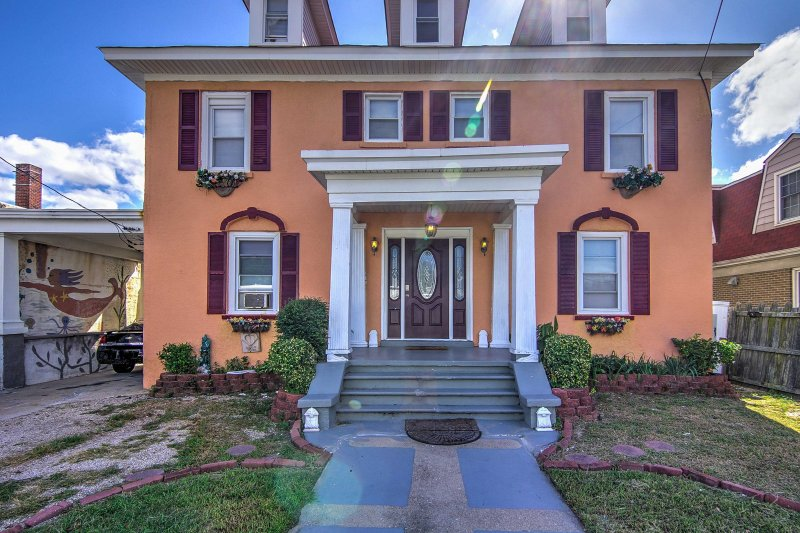 Escape to the shores of Norfolk and enjoy this historic 2-bed vacation rental!