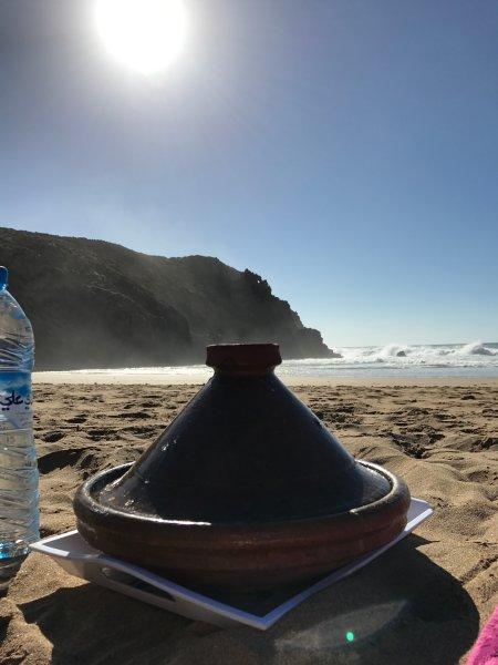 Tagine takeaway on the beach