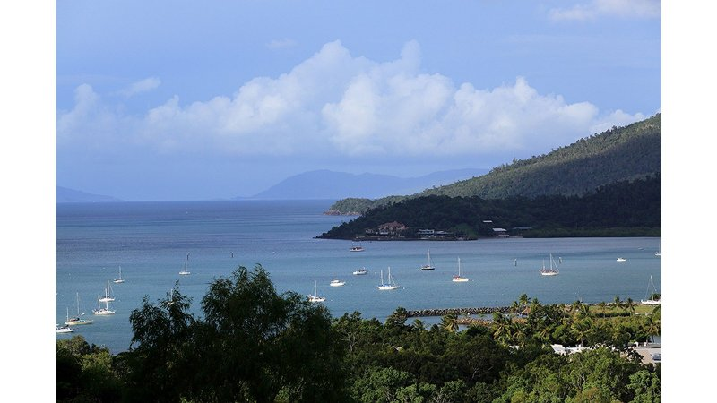 Laguna Views - Airlie Beach, holiday rental in Airlie Beach