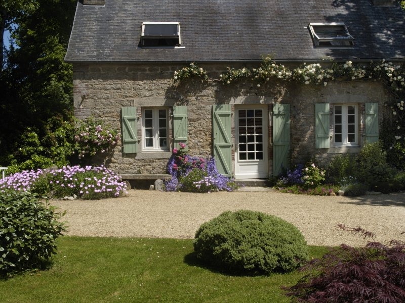 Ty Ar Pennduig - lovely restored stone cottage set in peaceful countryside, holiday rental in Finistere